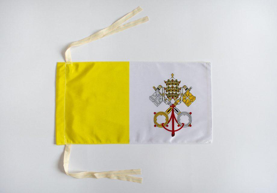 navijačka vatikanska zastava