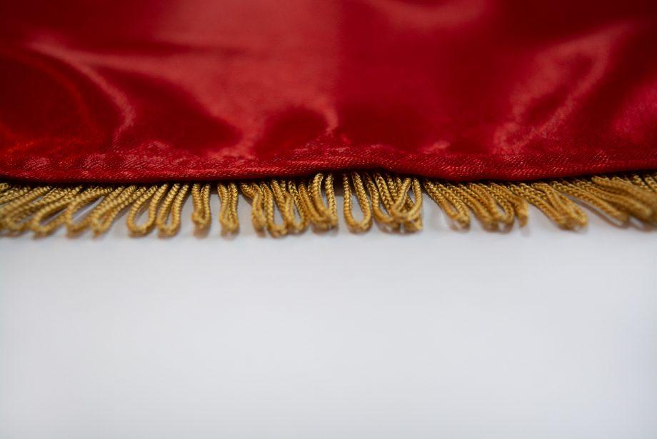 svilena zastava sa resama
