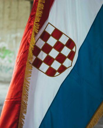 Zastava prvo bijelo polje