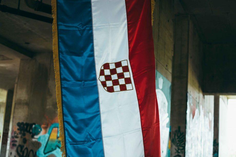 Zastava prvo bijelo polje patria nostra